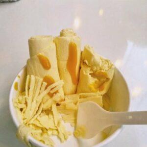 Mango Cream Rolls